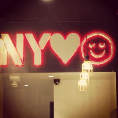 New York Loves Pie Face