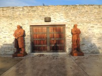 Amilsfield Statues