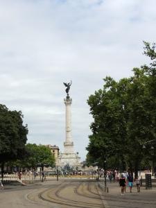 Bordeaux - Statue à l'Esplanade Des Quinconces
