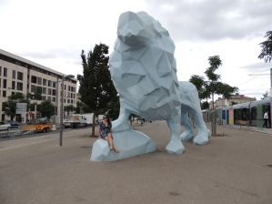 Le Lion - Bordeaux; Blue Lion Statue