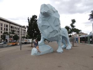 Le Lion - Bordeaux; Blue Lion Statue