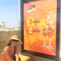 Aperol Sprtiz: 3 parts prosecco, 2 parts Aperol, 1 part soda water!