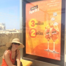 Aperol Sprtiz: 3 parts prosecco, 2 parts Aperol, 1 part soda water!