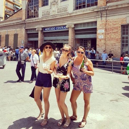 As the locals do at Mercado Central, Alicante