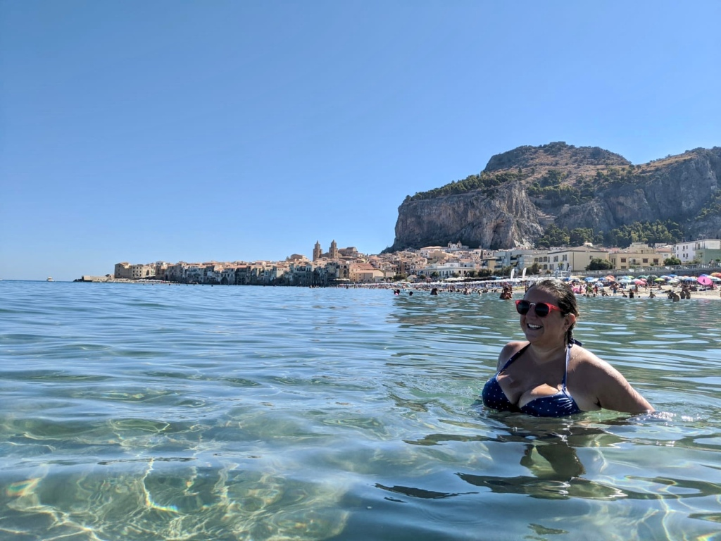 Lisa Vecchio, Cefalu Beach